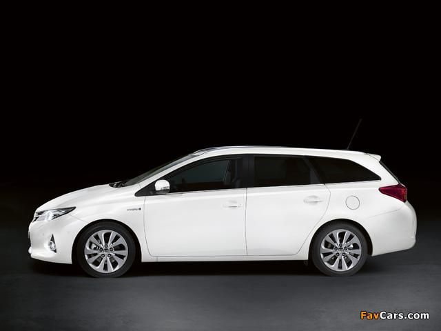 Toyota Auris Touring Sports Hybrid 2012 wallpapers (640 x 480)