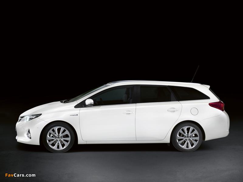 Toyota Auris Touring Sports Hybrid 2012 wallpapers (800 x 600)