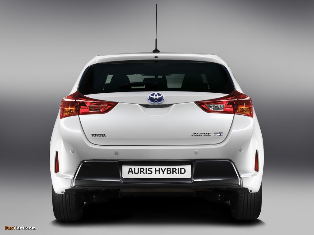 Toyota Auris Hybrid 2012 wallpapers (1024 x 768)