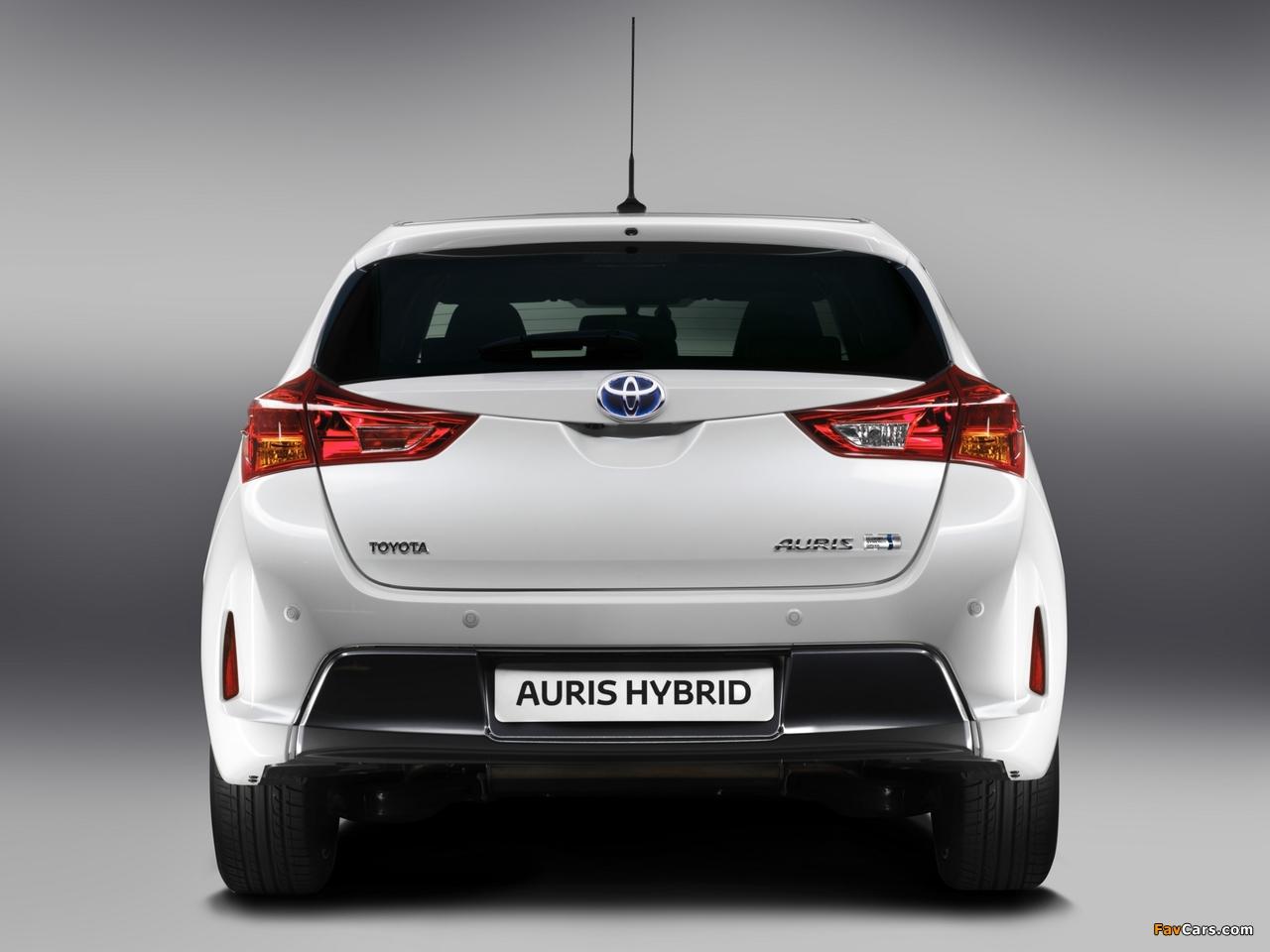 Toyota Auris Hybrid 2012 wallpapers (1280 x 960)