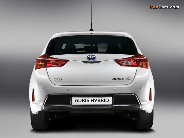 Toyota Auris Hybrid 2012 wallpapers (640 x 480)