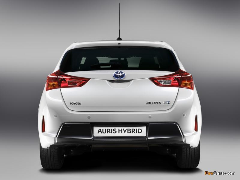 Toyota Auris Hybrid 2012 wallpapers (800 x 600)