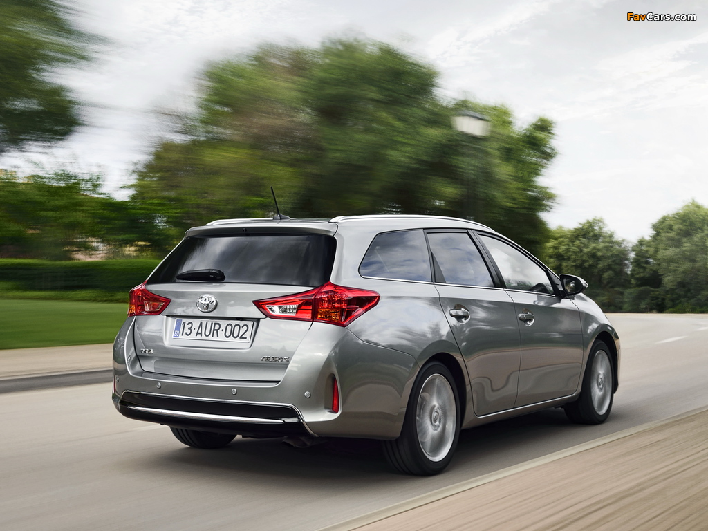 Toyota Auris Touring Sports 2013 images (1024 x 768)