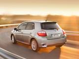 Toyota Auris 5-door 2010–12 wallpapers