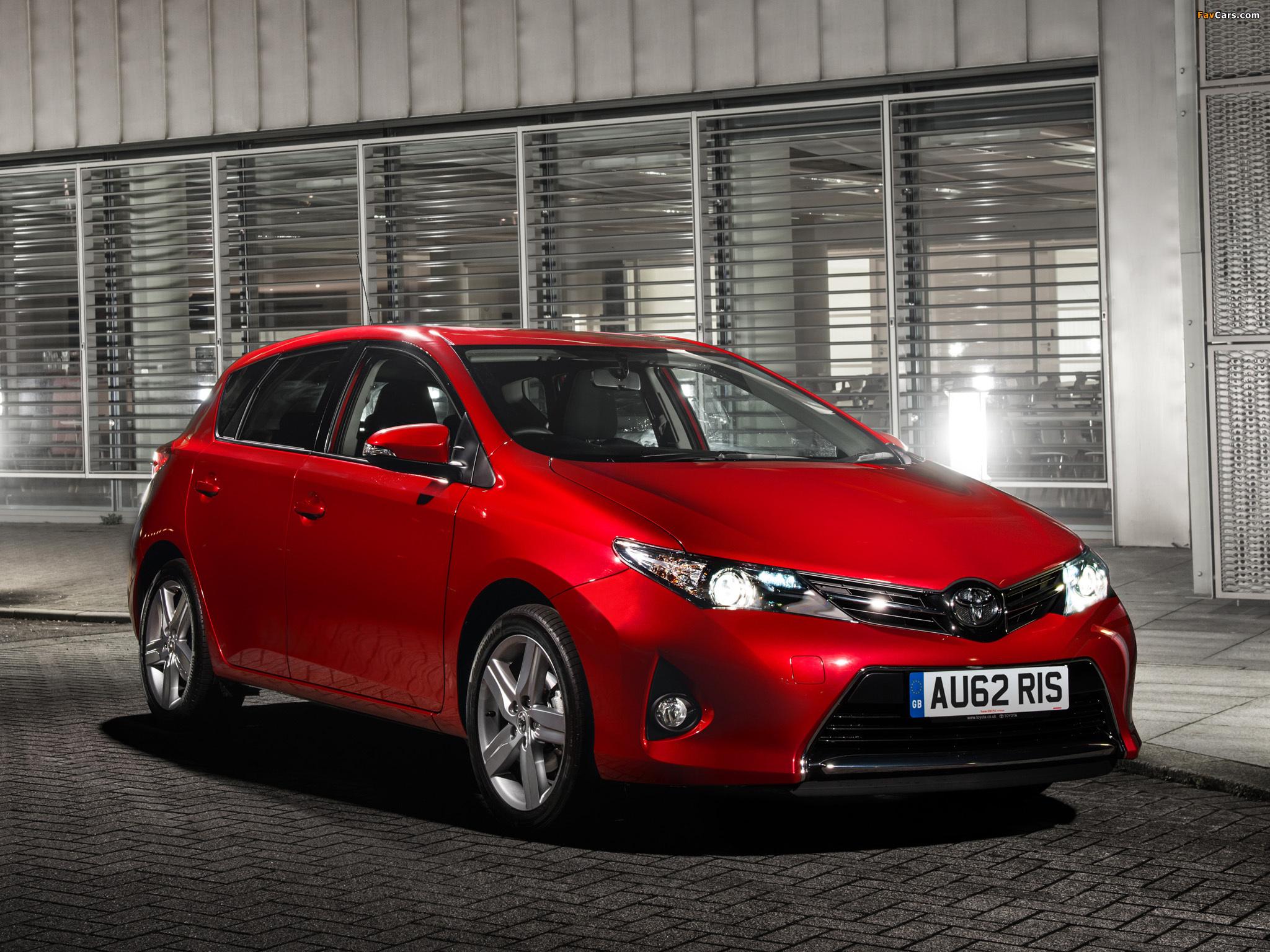 Toyota Auris UK-spec 2012 wallpapers (2048 x 1536)