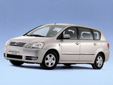 Pictures of Toyota Avensis Verso 2001–03