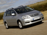 Pictures of Toyota Avensis Verso 2003–09