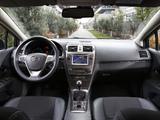 Photos of Toyota Avensis Wagon 2011
