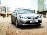 Photos of Toyota Avensis Sedan 2011