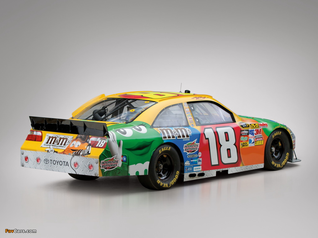 Images of Toyota Camry NASCAR Sprint Cup Series Race Car 2010–11 (1024 x 768)