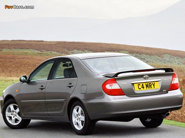Photos of Toyota Camry UK-spec (ACV30) 2002–06 (640 x 480)
