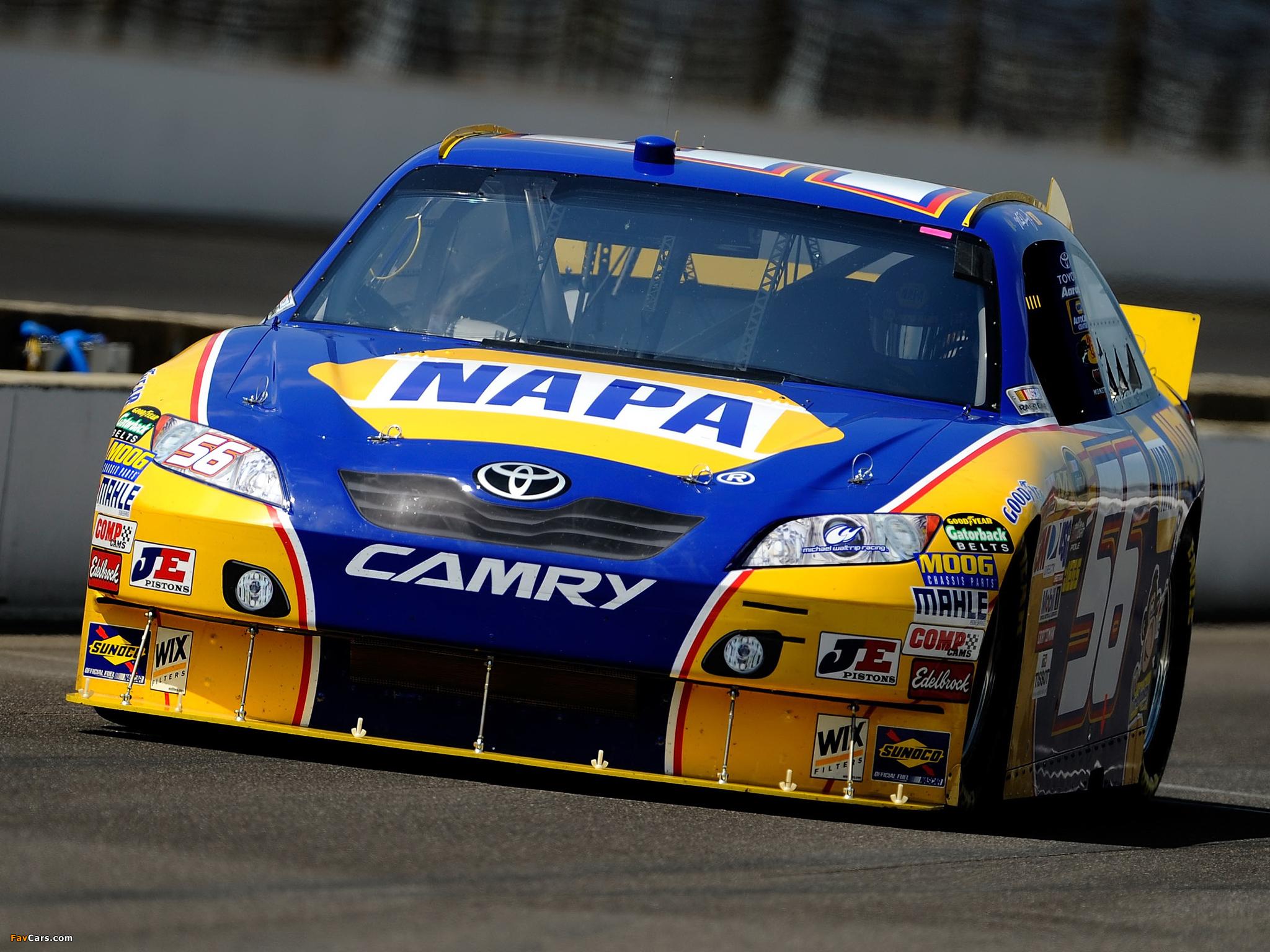 Photos of Toyota Camry NASCAR Sprint Cup Series Race Car 2010–11 (2048 x 1536)