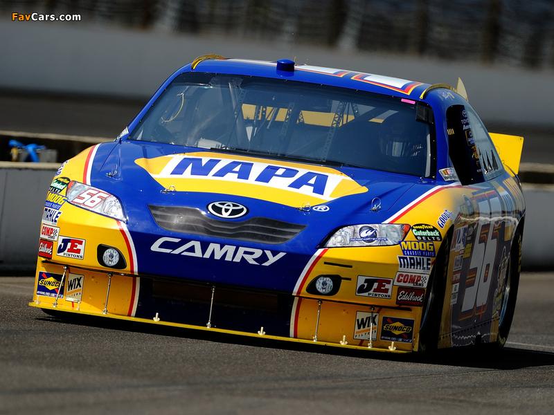 Photos of Toyota Camry NASCAR Sprint Cup Series Race Car 2010–11 (800 x 600)