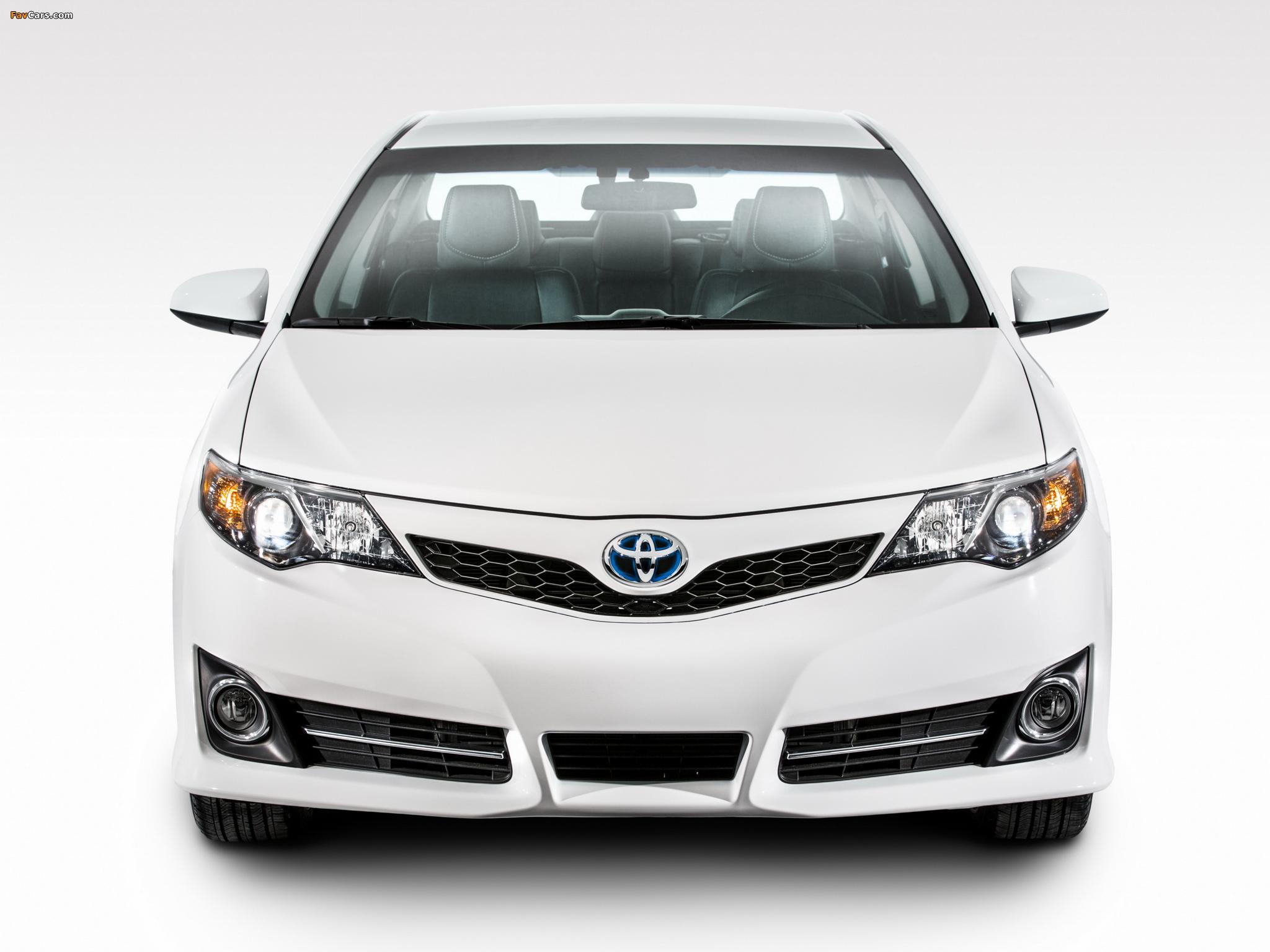 Photos of Toyota Camry Hybrid SE 2014 (2048 x 1536)