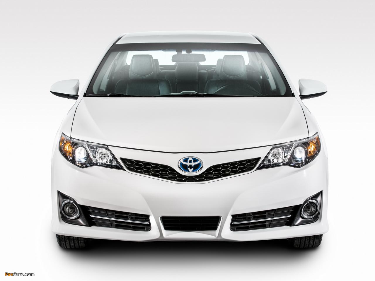 Photos of Toyota Camry Hybrid SE 2014 (1280 x 960)