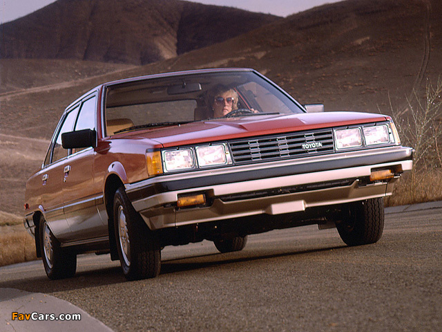 Pictures of Toyota Camry US-spec (V10) 1982–84 (640 x 480)