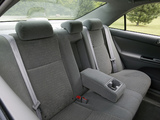 Pictures of Toyota Camry LE US-spec (ACV30) 2004–06