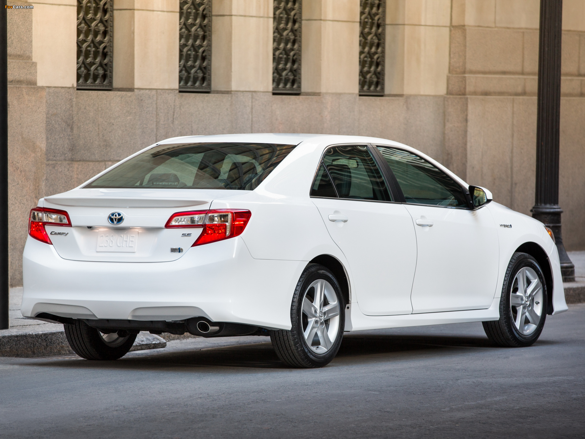 2014 Toyota Camry Specs, Pictures, Trims, Colors || Cars.com