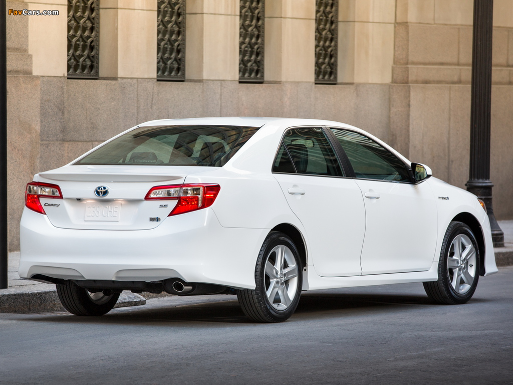 Pictures of Toyota Camry Hybrid SE 2014 (1024 x 768)