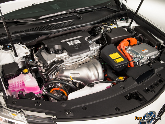 Pictures of Toyota Camry Hybrid SE 2014 (640 x 480)
