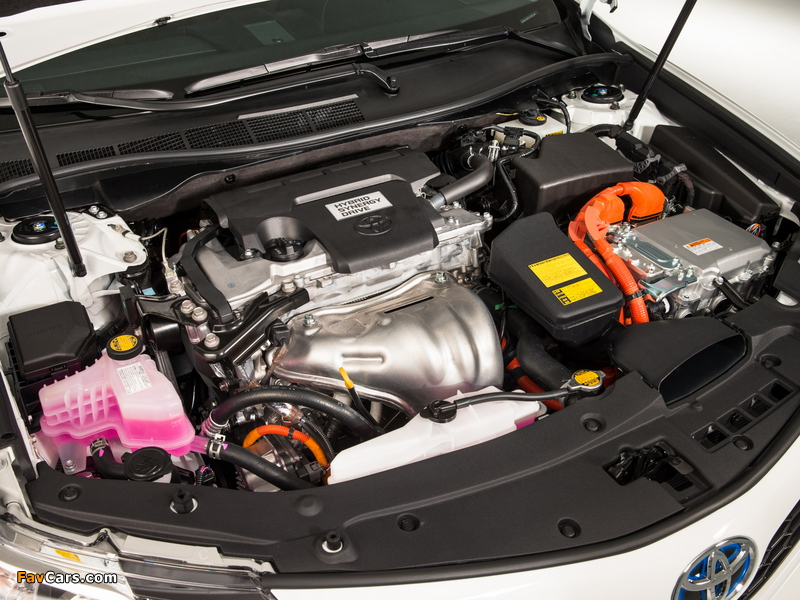 Pictures of Toyota Camry Hybrid SE 2014 (800 x 600)