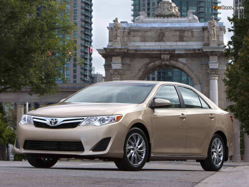 Toyota Camry LE 2011 wallpapers (800 x 600)