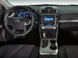 Toyota Camry Hybrid SE 2014 images