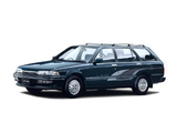 Pictures of Toyota Carina Surf SX-Limited (ST170G) 1990–92