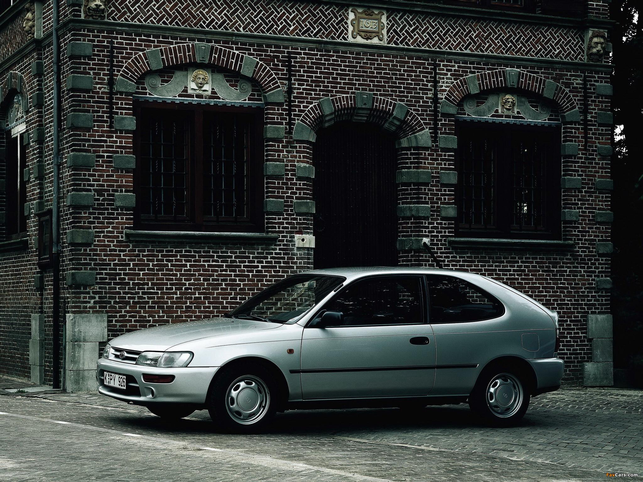 Photos of Toyota Corolla Compact 3-door (E100) 1991–98 (2048 x 1536)