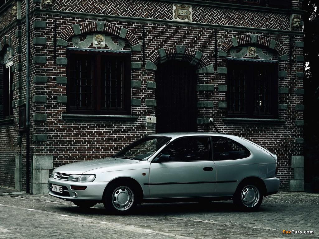 Photos of Toyota Corolla Compact 3-door (E100) 1991–98 (1024 x 768)