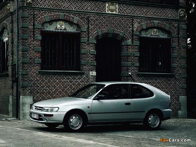 Photos of Toyota Corolla Compact 3-door (E100) 1991–98 (640 x 480)