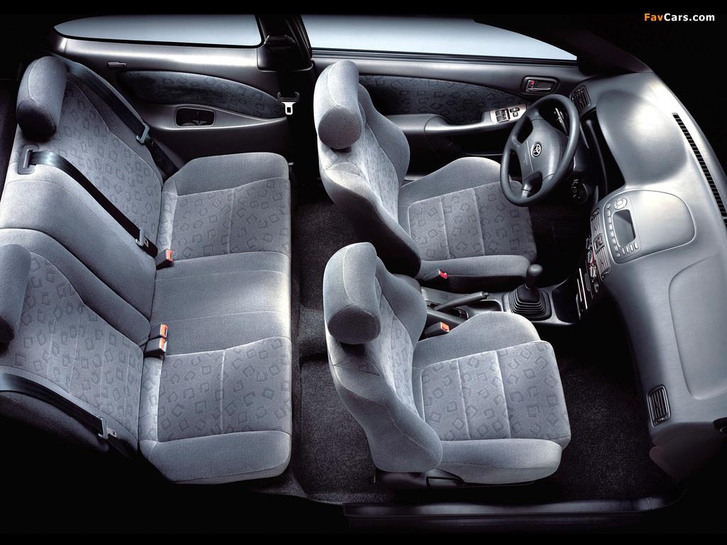 Photos of Toyota Corolla Compact 3-door (E110) 1999–2001 (1024 x 768)