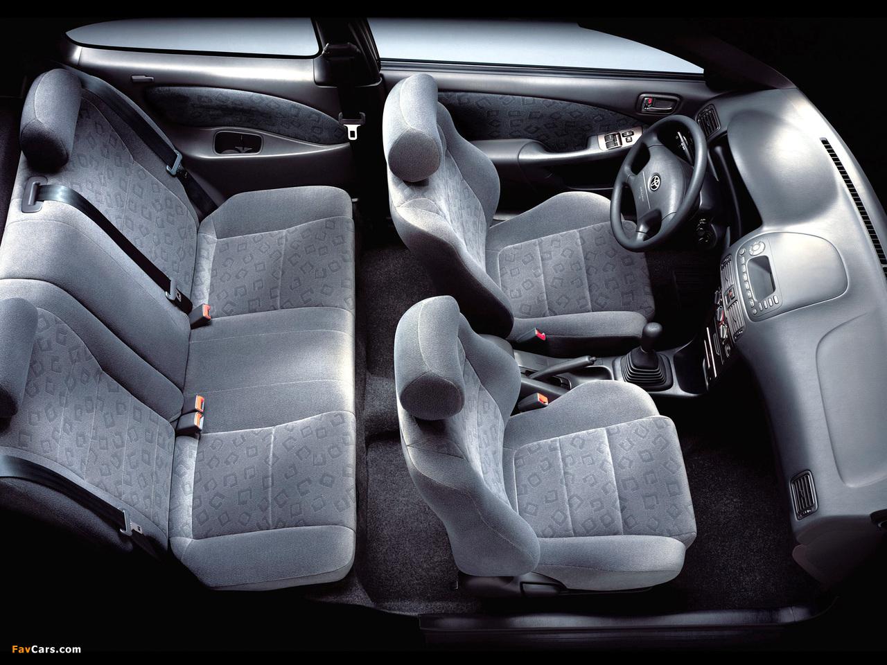 Photos of Toyota Corolla Compact 3-door (E110) 1999–2001 (1280 x 960)