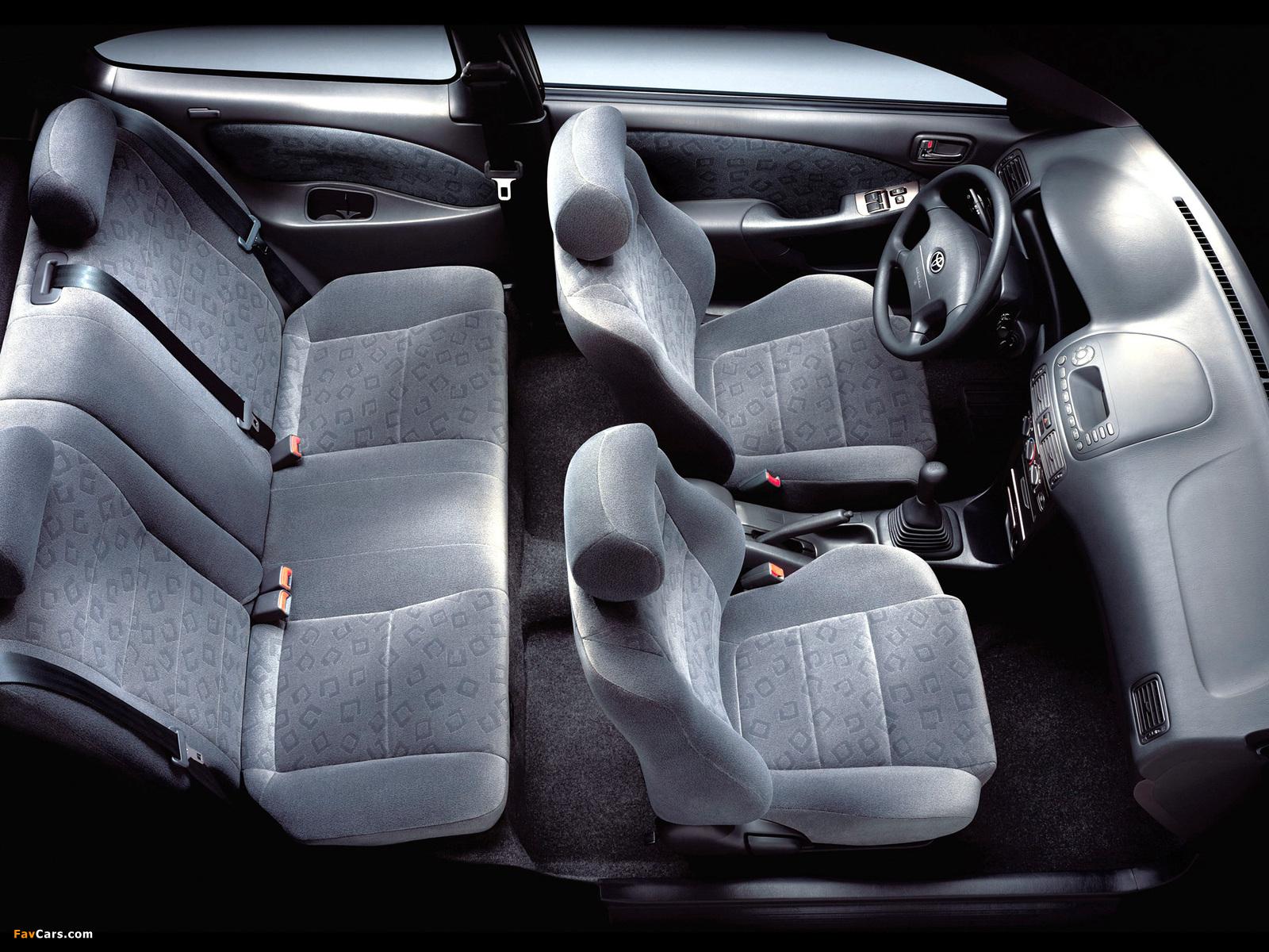Photos of Toyota Corolla Compact 3-door (E110) 1999–2001 (1600 x 1200)