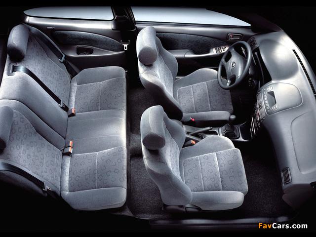 Photos of Toyota Corolla Compact 3-door (E110) 1999–2001 (640 x 480)