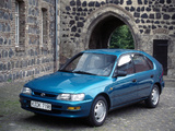 Toyota Corolla Compact 5-door (E100) 1991–98 images