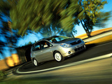 Images of Toyota Corolla Verso 2001–04
