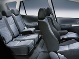 Toyota Corolla Verso UK-spec 2001–04 images