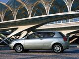 Pictures of Toyota Corolla 3-door 2001–04