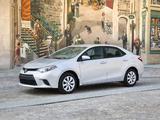 Toyota Corolla LE US-spec 2013 photos