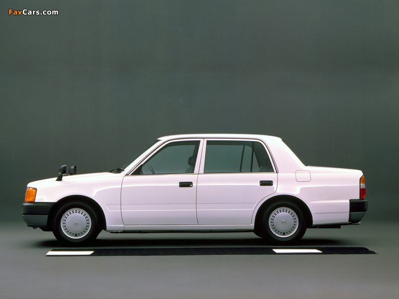 Images of Toyota Comfort (S10) 1995 (800 x 600)