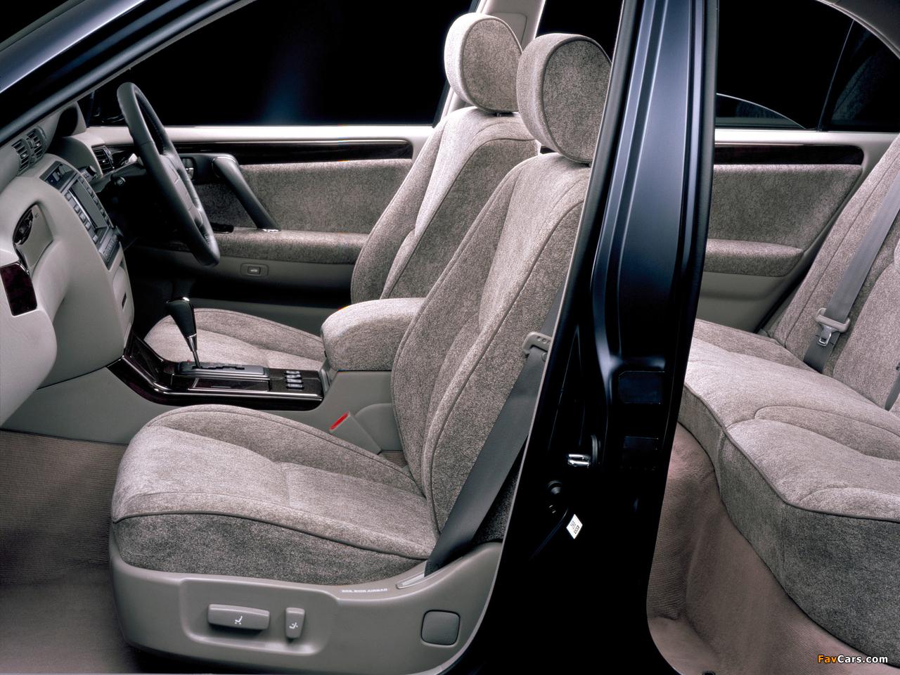 кнопка памяти водительского сиденья Toyota Crown majesta