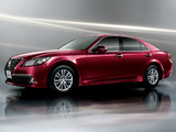 Photos of Toyota Crown Royal Saloon (S210) 2012