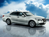 Pictures of Toyota Crown Hybrid Royal Saloon (S210) 2012