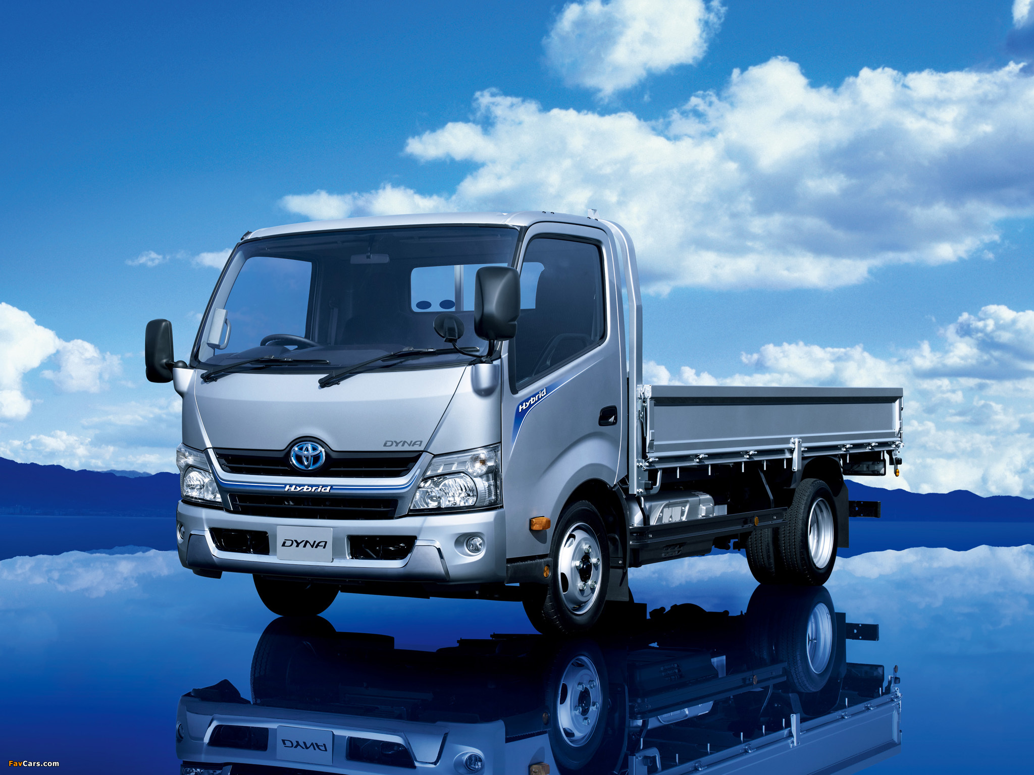 Pictures of toyota dyna hybrid jp spec 2011