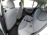 Toyota Echo 5-door 2003–05 images