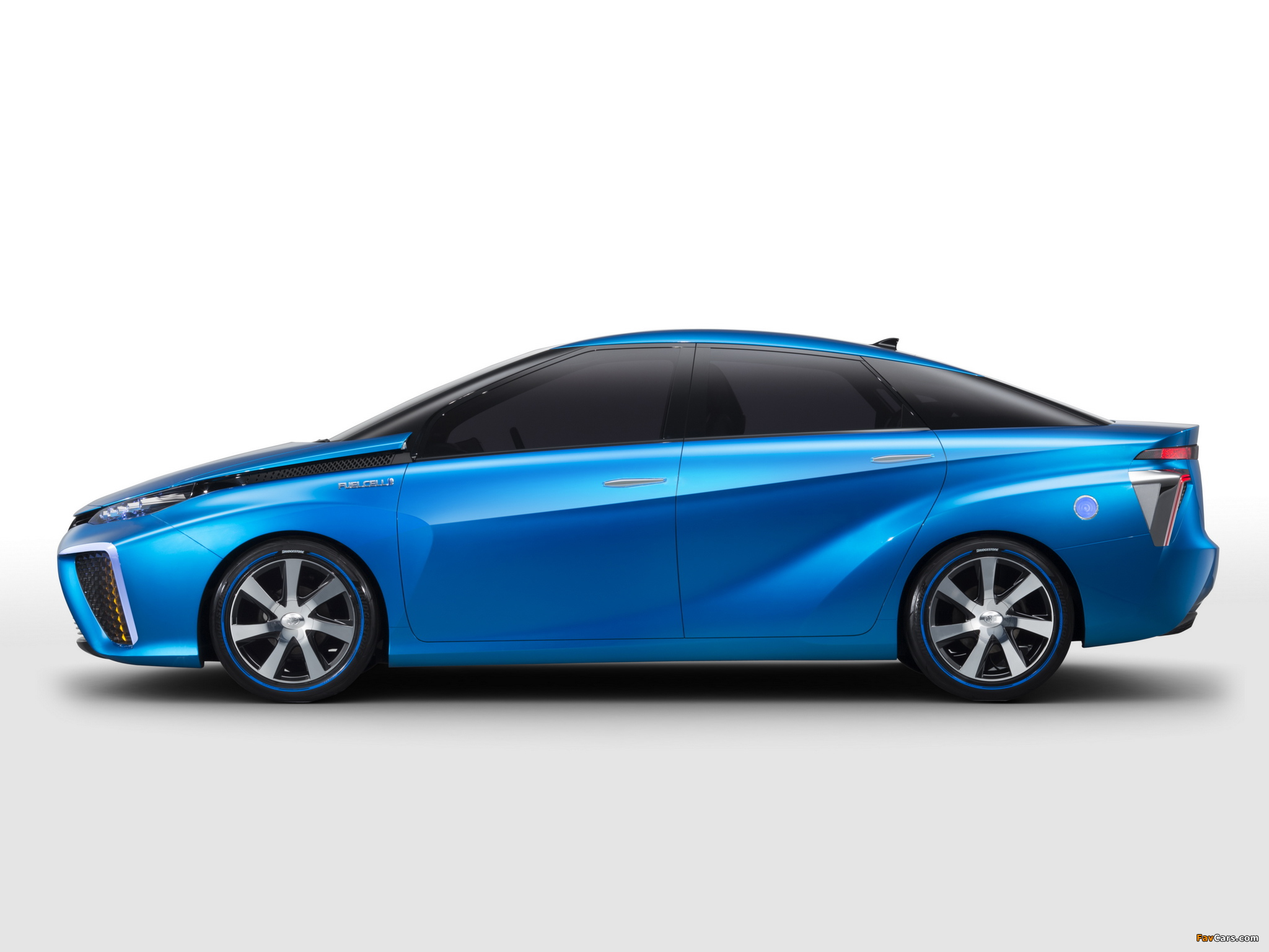 Toyota FCV Concept 2013 pictures (2048 x 1536)