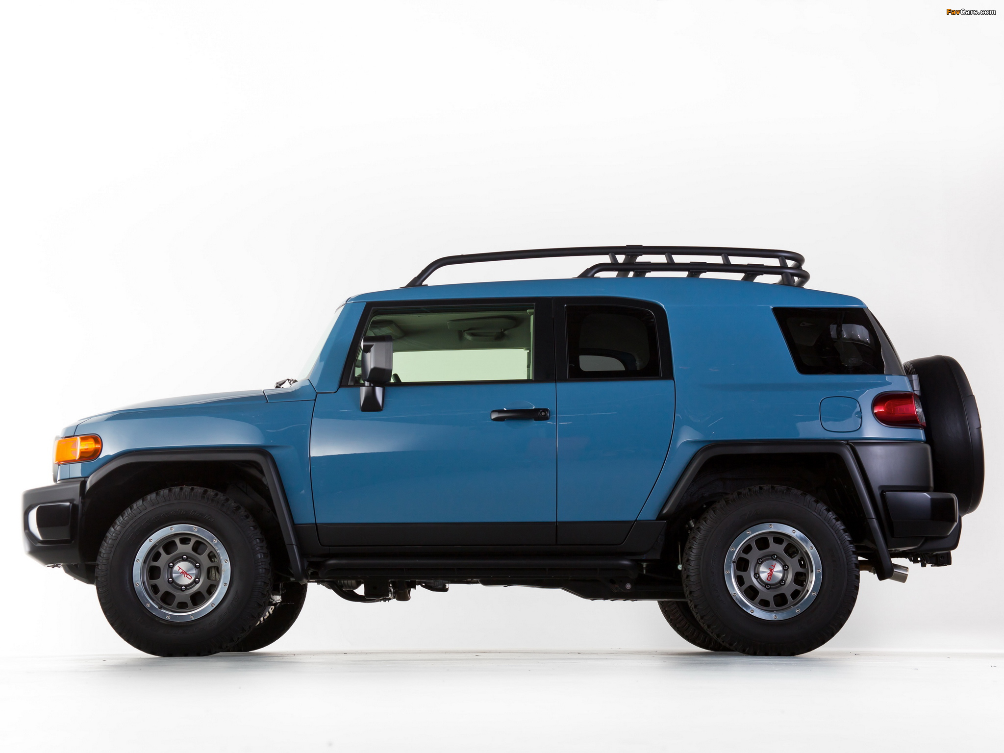 Pictures of Toyota FJ Cruiser Trail Teams Ultimate (GSJ15W) 2014 (2048 x 1536)