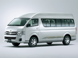 Images of Toyota Hiace Combi High Roof 2010