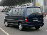 Toyota Hiace 2006–09 images